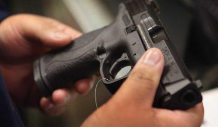 Lojas que vendem armas no Maranhão esperam maior movimento