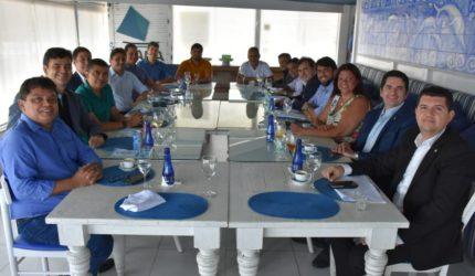 Em São Luís, Rodrigo Maia participa de almoço com nova bancada maranhense