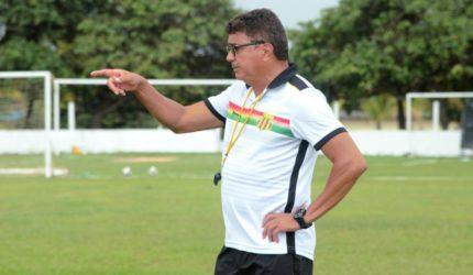 Flávio Araújo não é mais técnico do Sampaio