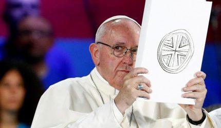 Papa anuncia medidas para combater abusos contra crianças