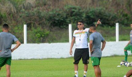 Sampaio Corrêa à procura de novo treinador