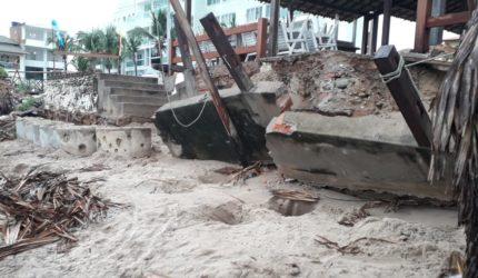 Ondas de até 3 metros destroem parte da orla de Luís Correia