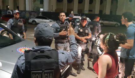 Evento de música termina em tiros no Centro; veja vídeos