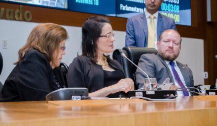 Andreia Rezende faz primeiro discurso na Assembleia Legislativa