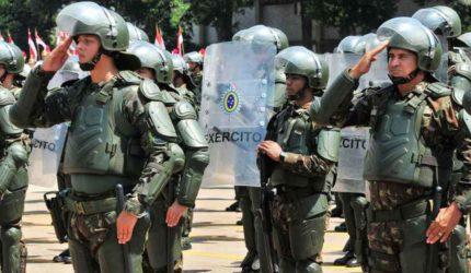 Defesa diz que afago a militares em reforma compensa perdas da categoria