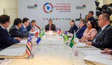Governadores do Nordeste contestam Paulo Guedes em Brasília
