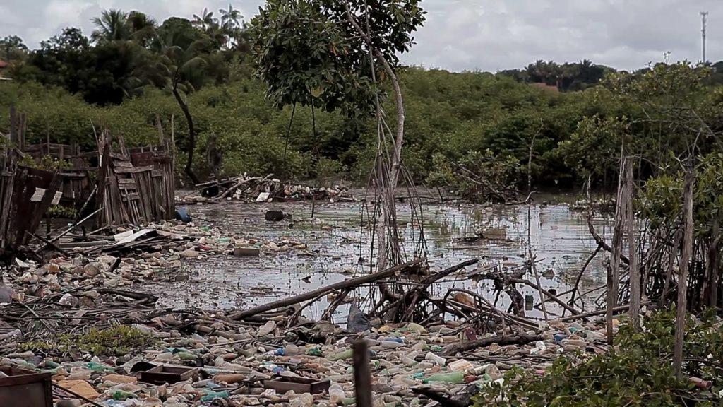 Rio Anil agora é cinza | O Imparcial