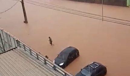 Forte chuva deixa pontos de alagamento em São Luís; veja os vídeos
