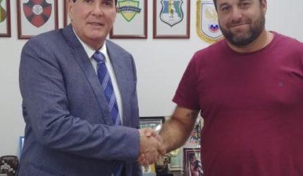 """Presidentes do Moto Club e FMF """"selam a paz"""" em encontro"""