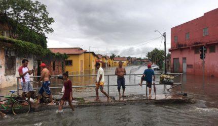 Chuva forte continua provocando transtornos em São Luís; veja fotos e vídeos
