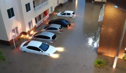 A serpente acordou? Imagens e vídeos de São Luís depois das fortes chuvas