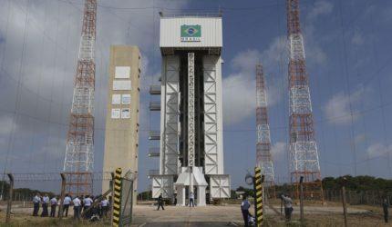Governo quer explorar Base de Alcântara comercialmente, diz Pontes