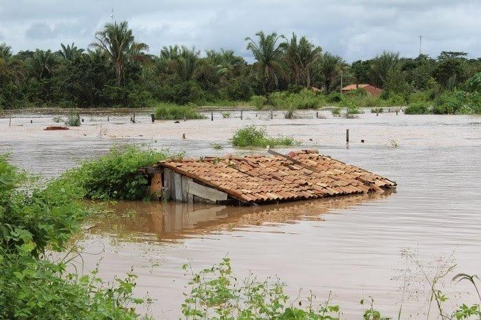 370 famílias perderam suas casas para a chuva no MA   O