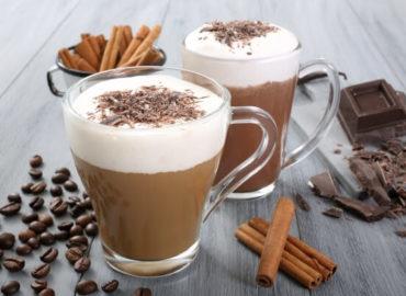 5 drinks deliciosos para fazer com café