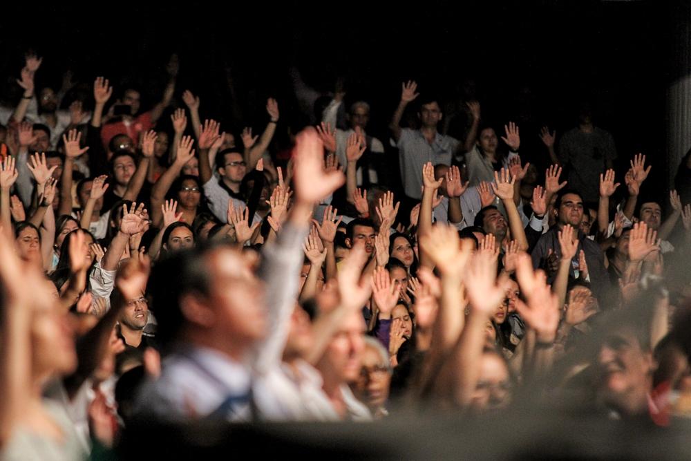 Evangélicos Passam Virada De Ano Nas Igrejas Confira Os