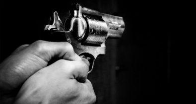 Homem é morto a tiros enquanto escovava os dentes em sua própria residência