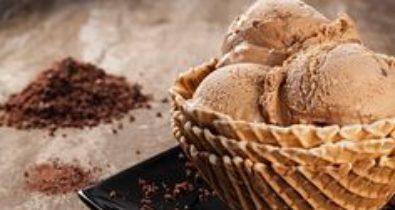 Saiba como fazer sorvete caseiro de  ovomaltine