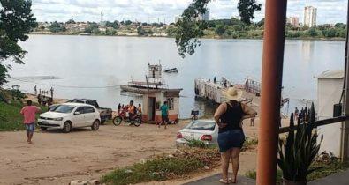 Motorista morre afogado após caminhonete cair de embarcação no Rio Tocantins