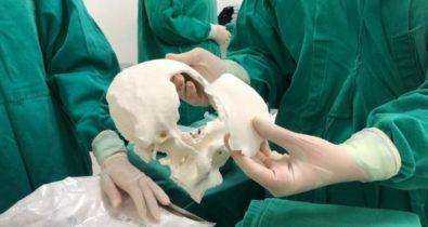 Operação com prótese 3D é realizada no estado