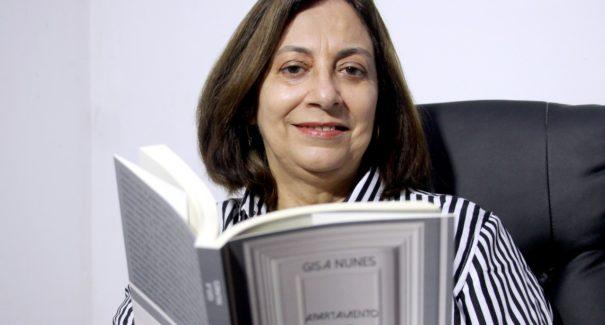 Escritora maranhense trata de discriminação e pandemia em romance LGBTQI+