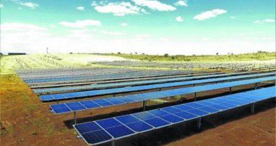 Ministros inauguram maior complexo de energia solar do país