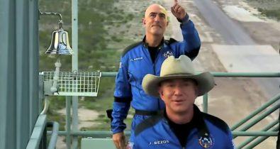 Bilionário Jeff Bezos completa viagem espacial
