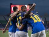 Brasil vence Arábia, passa em primeiro e espera adversário nas quartas