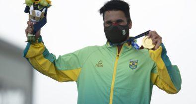 Onda dourada! Ítalo Ferreira conquista ouro no surfe nos Jogos de Tóquio