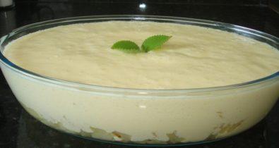 Mousse de abacaxi fácil em apenas 30 minutos