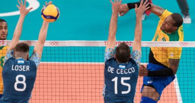 Brasil vence de virada a Argentina no vôlei masculino