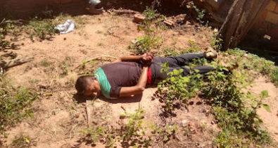Homem é preso em flagrante ao tentar enterrar cadáver