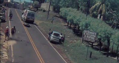 Motociclista é atropelado, arrastado para fora da pista e abandonado sem receber socorro