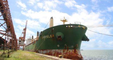 Tripulantes de navio atracado no Recife testam positivo para covid-19