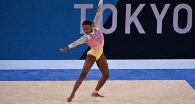Rebeca Andrade faz boa apresentação na final do solo, mas fica sem medalha