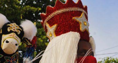 Bumba Meu Boi da Liberdade realiza oficinas de confecção de chapéu e dança das Tapuias