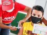 Brasil chega a 50% da população totalmente vacinada contra Covid-19