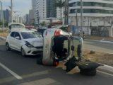 Motorista faz ultrapassagem perigosa e causa acidente na Avenida dos Holandeses
