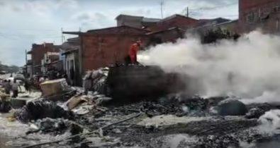 Incêndio em Imperatriz arrasa depósito de recicláveis