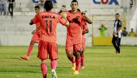 Diego Souza brilhou no jogo e garantiu o Sport na Copa Nordeste 2016