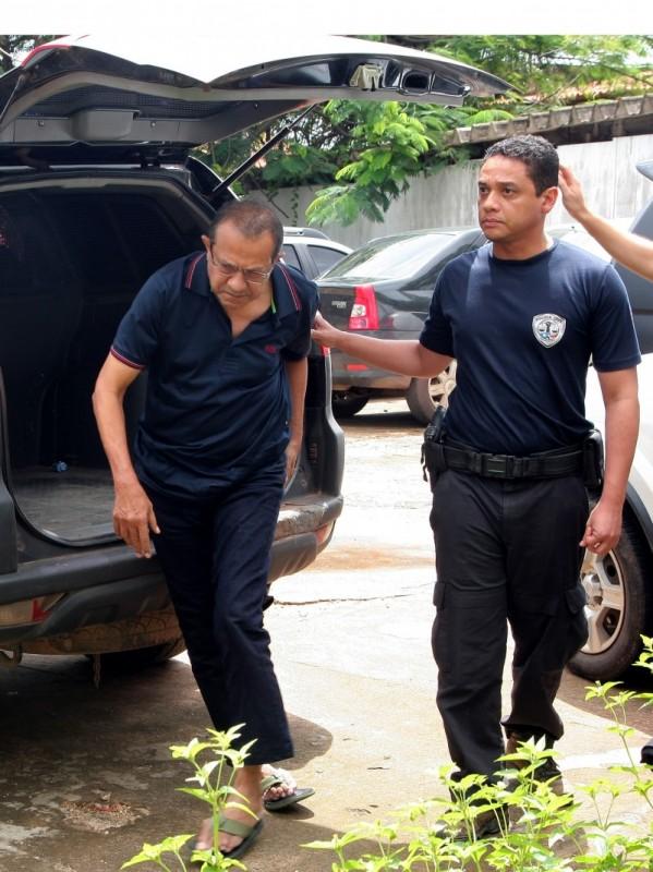 Ex prefeito Raimundo Lisboa e ex vereadores da cidade de Bacabal são presos pela polícia cívil.