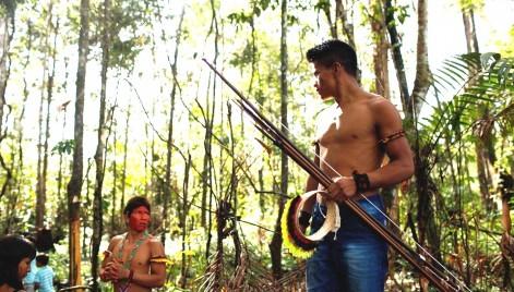 Sem proteção do Estado, indígenas Ka'apor arriscam a vida para expulsar madeireiros da sua terra, no Maranhão