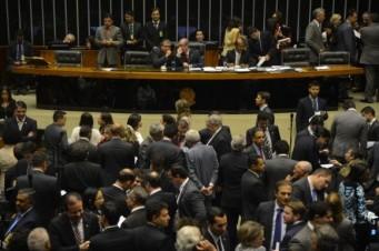 Deputados descartam propostas da sociedade civil para a reforma política