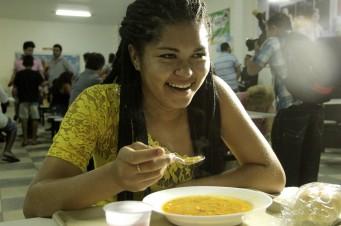 Governo do Estado lança o serviço de jantar nos Restaurantes Populares e anuncia ampliação da rede