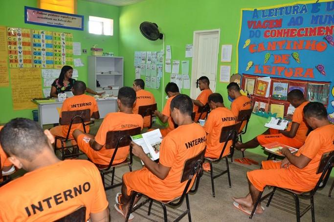 Governo inclui mais de mil detentos em ações de qualificação profissional para humanizar sistema prisional
