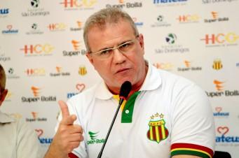 Sergio Frota esclarece situação dos jogadores Moisés e Edgar