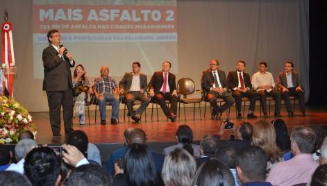 Governador Flávio Dino anuncia novos investimentos na segunda etapa do programa ?Mais Asfalto?.