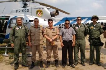 Bombeiros recebem reforço para conter incêndio na reserva Araribóia