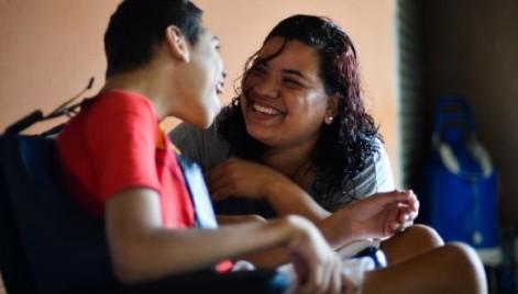 Lucélia Freitas e o filho Crystian