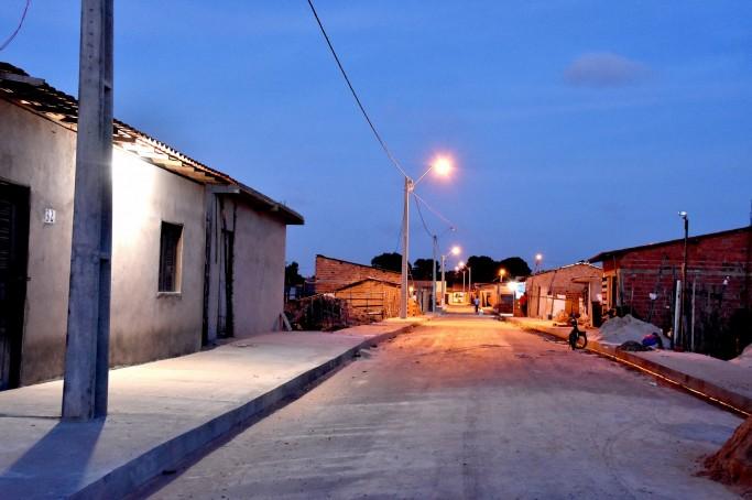 Rio Grande e São Raimundo recebem nova iluminação pública