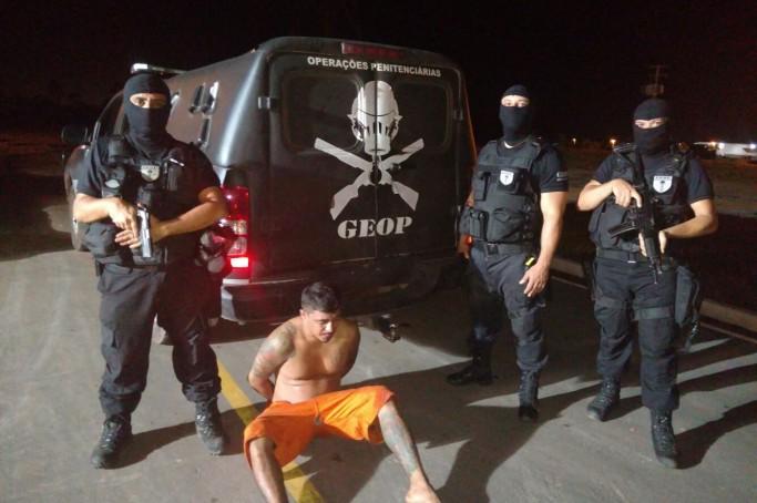 O interno foi localizado por agentes do Grupo Especial de Operações Penitenciárias (GEOP), que desde o instante da fuga deflagraram uma operação e permaneceram no encalço do fugitivo